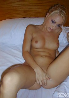 pretty amateur blonde girl on bed