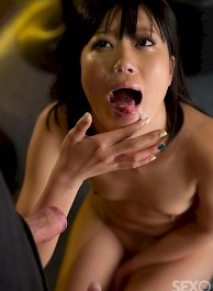 Japanese whore gives a blowjob
