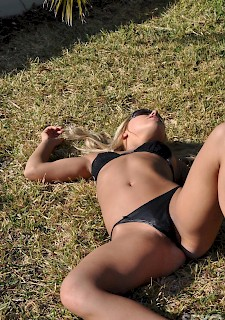 30+ MILF blonde strips outdoor