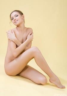 18 jahre lesbian blonde