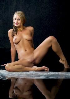 Nackt heiße blondine Heisse Blondine